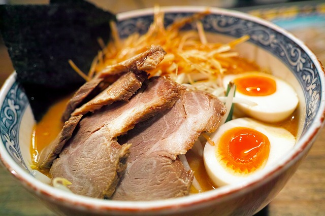 1549912292047.japanese-food-2199962_640.jpg